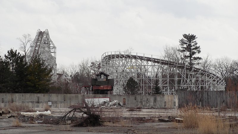 The Skeletons of Geauga Lake – Everyone Hates Cleveland